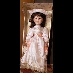 DOLL Genuine porcelain limited edition hand craft